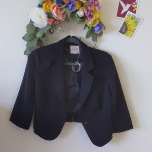 Black 3/4 sleeve button blazer